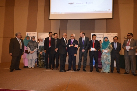 INTROP researchers during award ceremony by Prof Tan Sri Zakri Abdul Hamid, Science Advisor to Malaysian Prime Minister